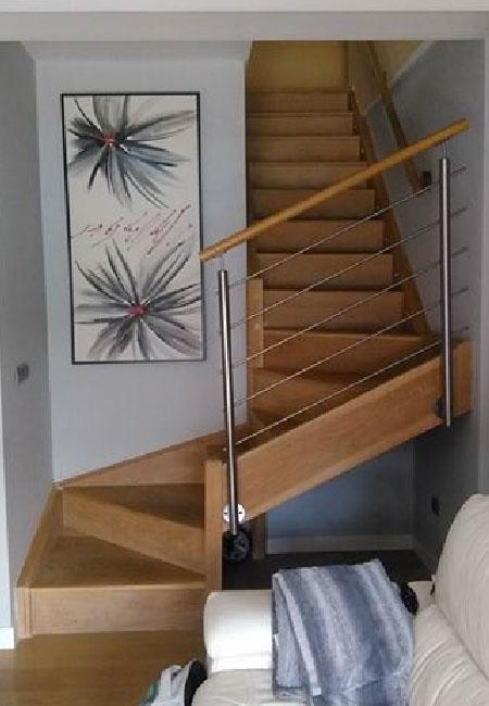 Carpintería Arjona escalera de madera a medida